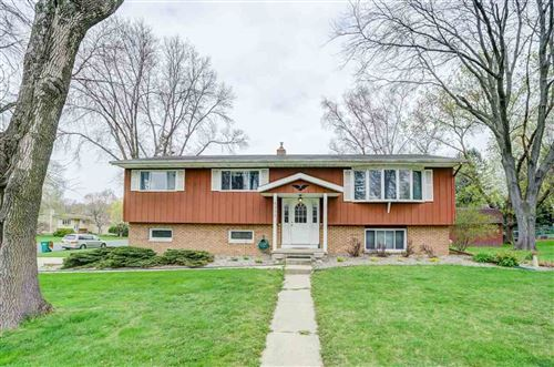 Photo of 5112 Cook St, McFarland, WI 53558 (MLS # 1907053)