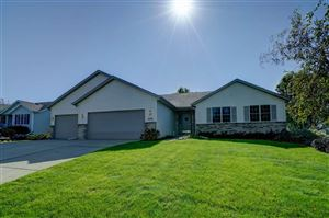 Photo of 2359 McCoomsky Ln, Sun Prairie, WI 53590 (MLS # 1870054)