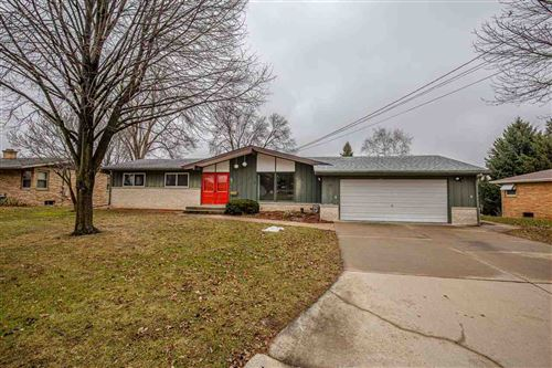 Photo of 442 Sunset Ct, Marshall, WI 53559 (MLS # 1879057)