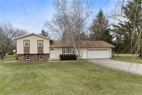 Photo of 3905 Terrace Cir, DeForest, WI 53532 (MLS # 1900057)