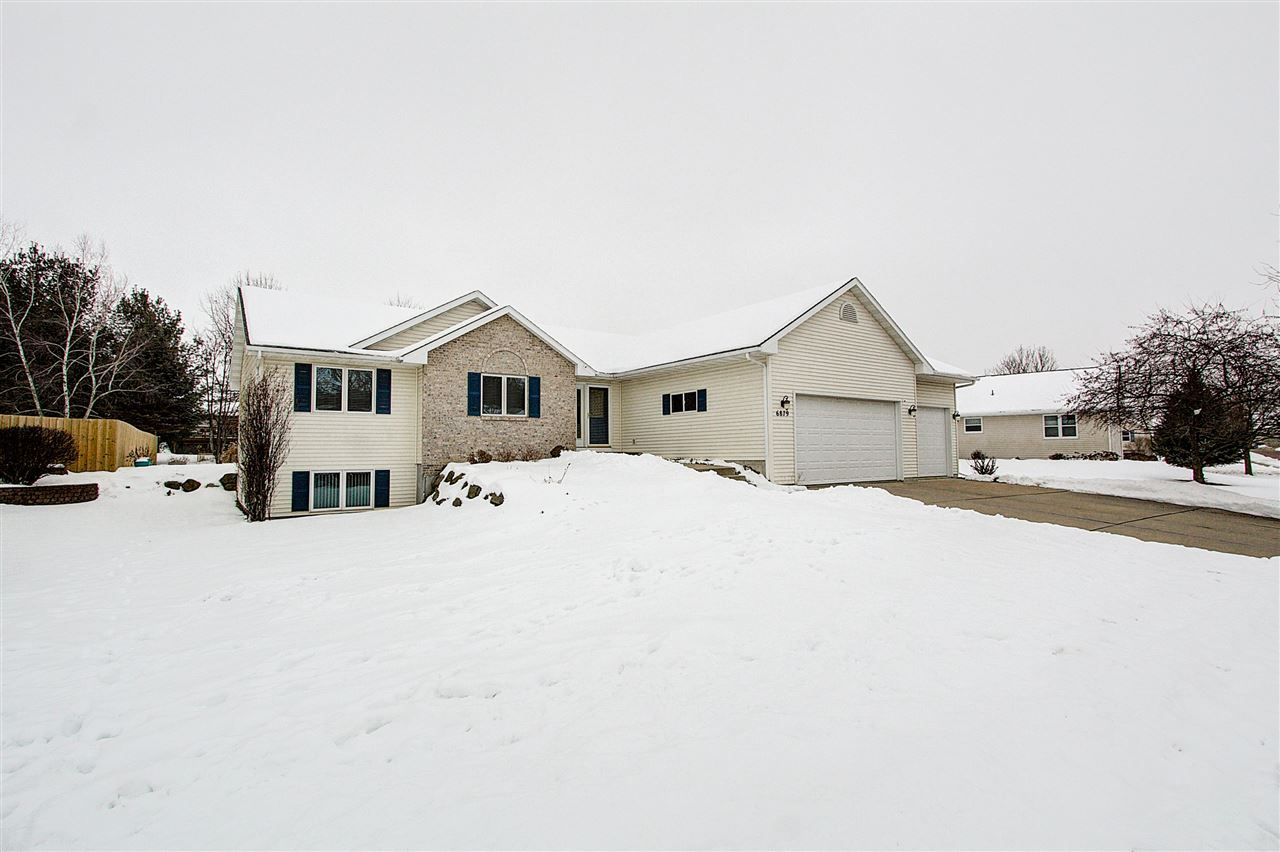 6879 Valiant Dr, Windsor, WI 53598 - MLS#: 1876058