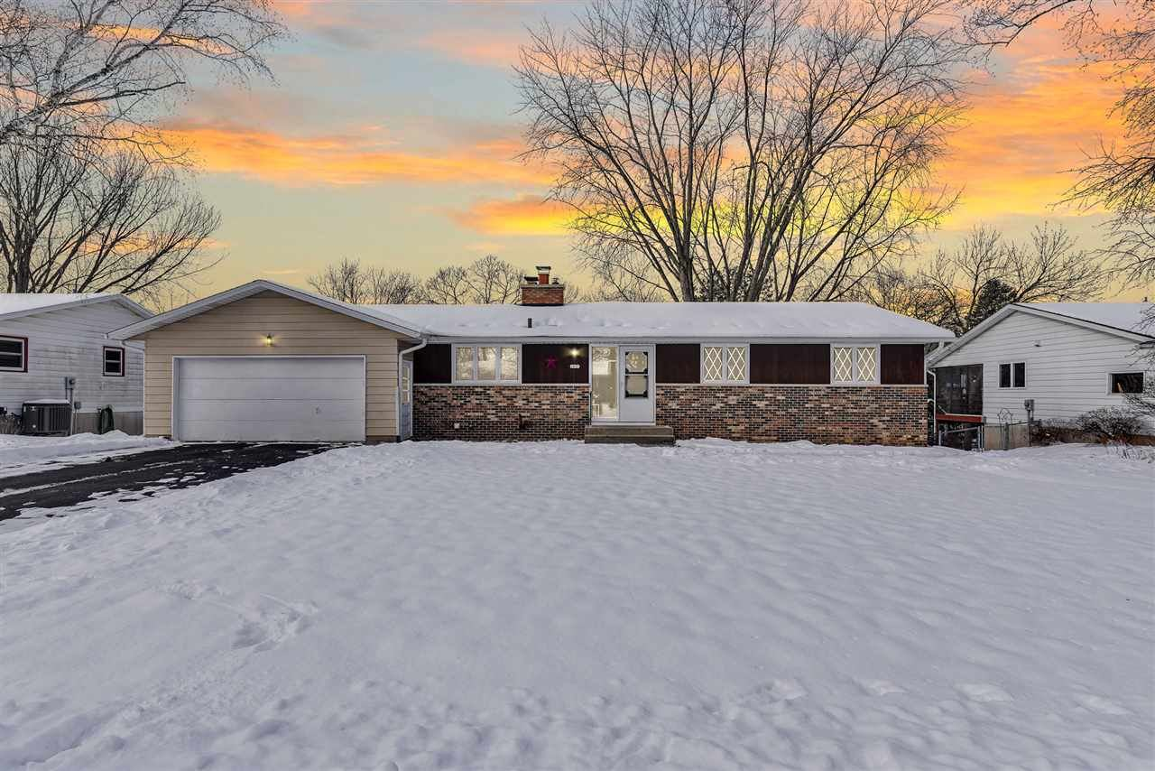 2657 Cochise Tr, Fitchburg, WI 53711 - #: 1900058