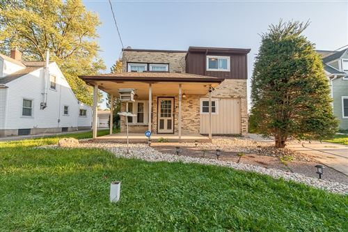 Photo of 860 Blaine Ave, Janesville, WI 53545 (MLS # 1919059)