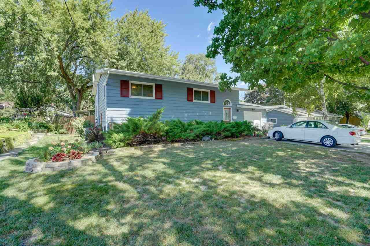 Photo for 6304 Ford St, Monona, WI 53716 (MLS # 1893062)