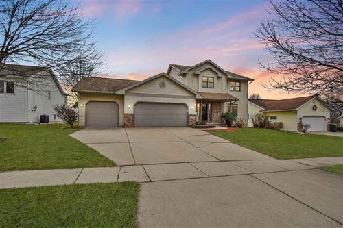 Photo of 226 Chateau Dr, Cottage Grove, WI 53527 (MLS # 1899063)