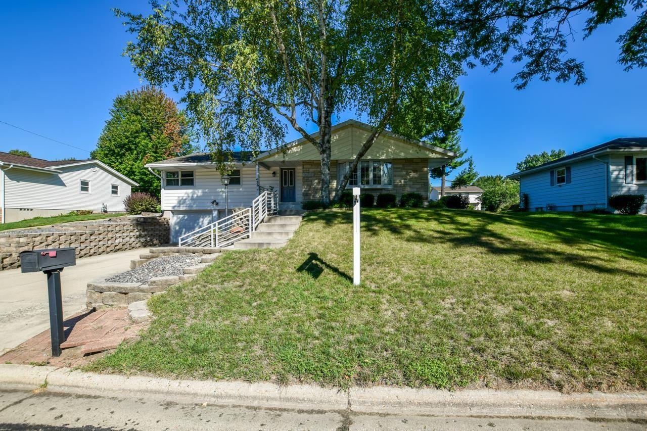 436 W Elm St, Sun Prairie, WI 53590-1328 - #: 1918063