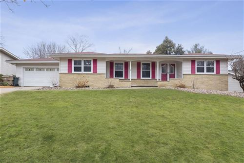 Photo of 606 Morningstar Ln, Madison, WI 53704 (MLS # 1879066)