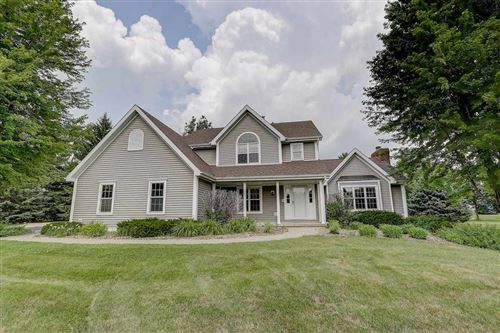 Photo of 3716 Heatherstone Ridge, Sun Prairie, WI 53590 (MLS # 1888066)