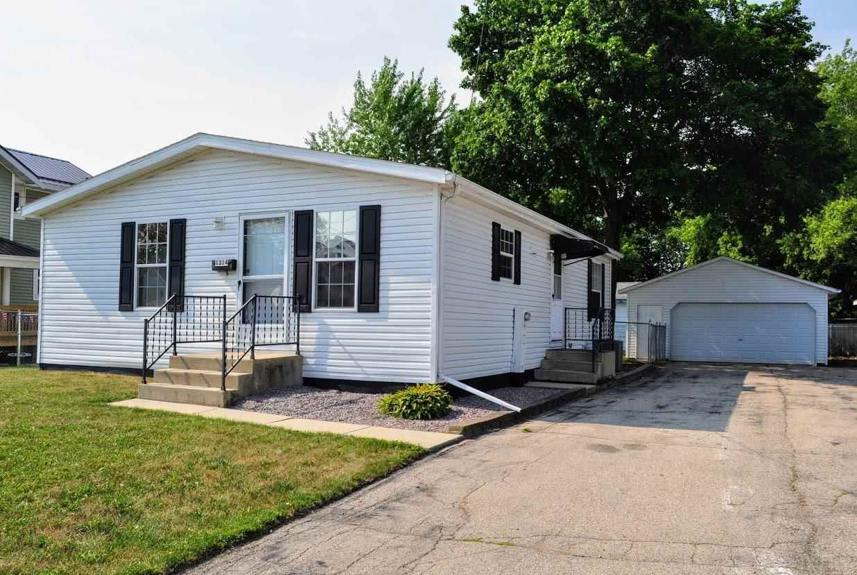 1314 Mineral Point Ave, Janesville, WI 53548 - #: 1914070