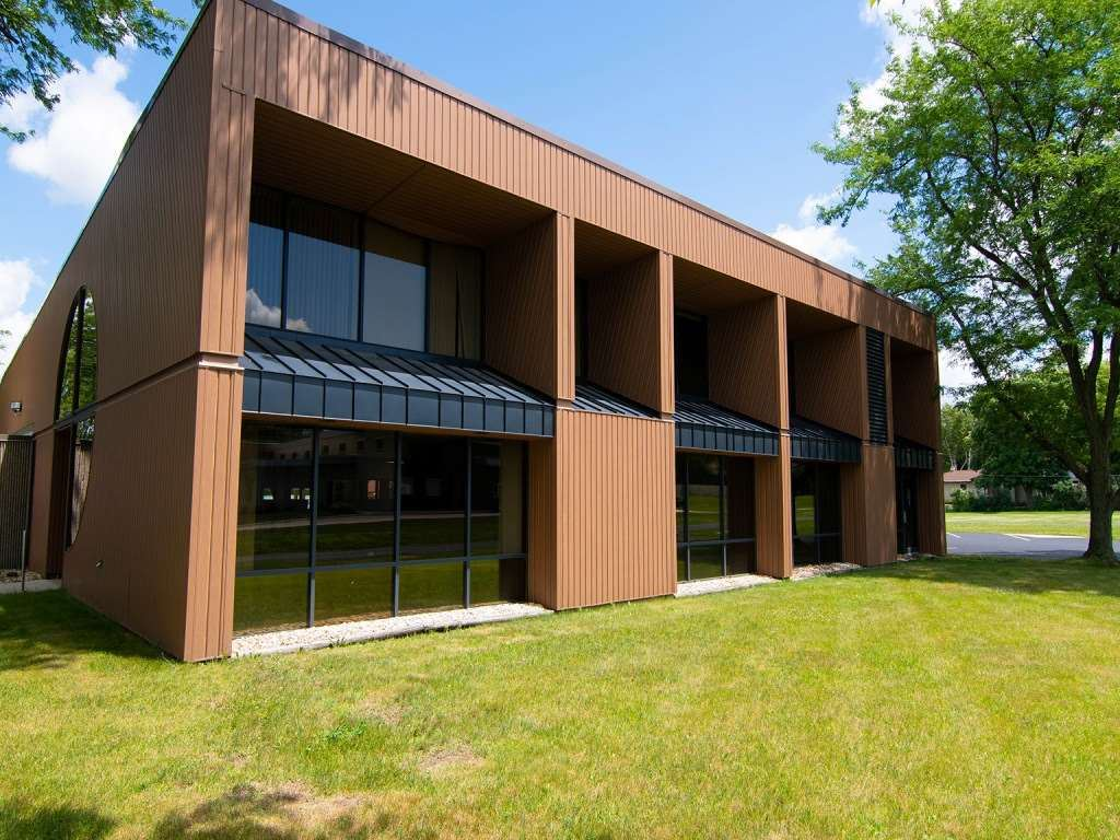 f_1888071_02 Commercial Properties for in Sale Edgerton, WI