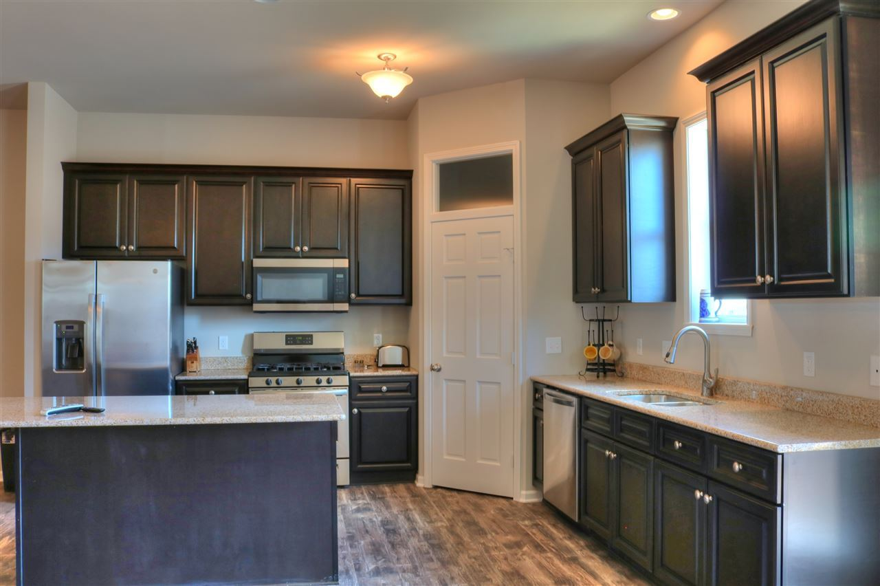 f_1888079_02 Our Listings at Best Realty of Edgerton