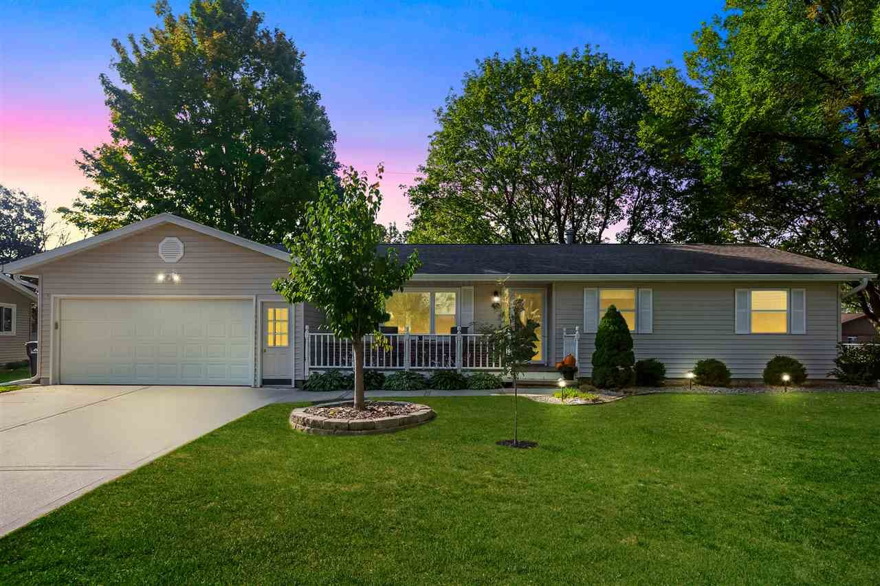 705 Country Aire Ct, Waunakee, WI 53597 - #: 1894081