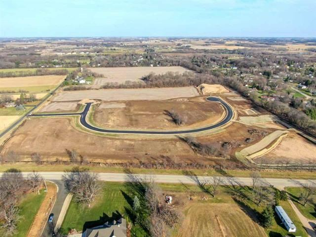 Photo for Lot 16 Fields Rd, Cottage Grove, WI 53527 (MLS # 1915081)
