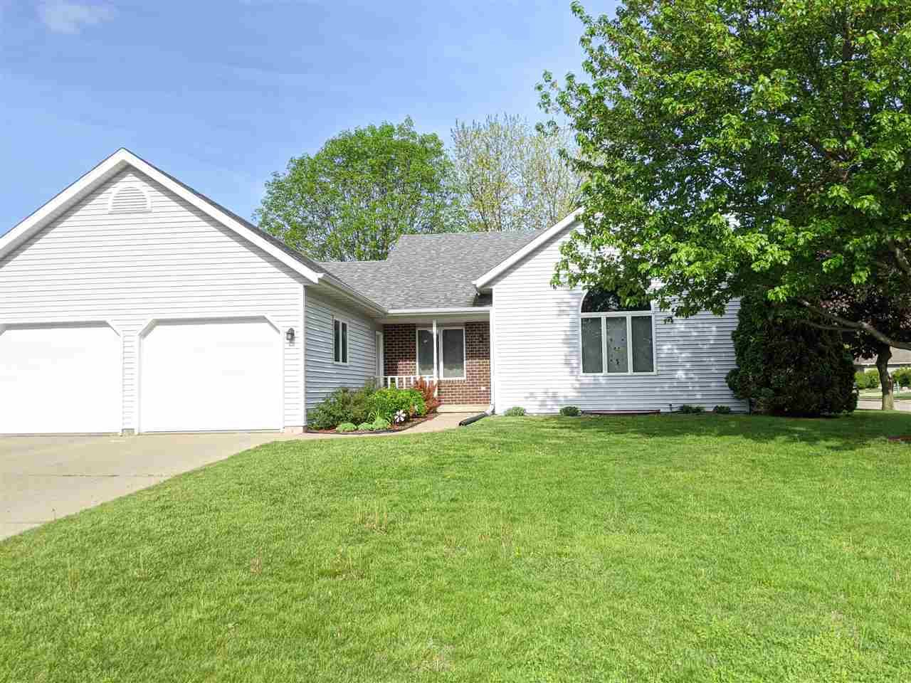 1502 Parkview Ct, Prairie du Sac, WI 53578 - #: 1884083