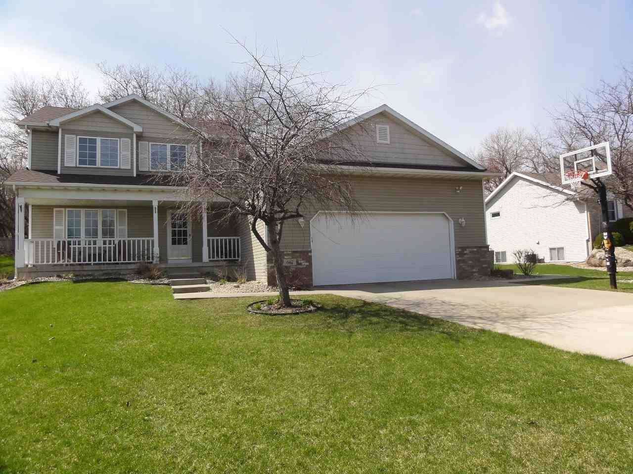 602 Meadow View Ln, DeForest, WI 53532 - #: 1881086
