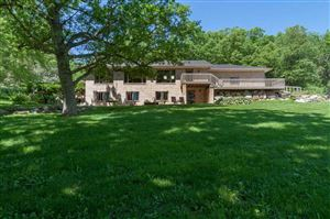 Photo of 2348 Rinden Rd, Cottage Grove, WI 53527 (MLS # 1860088)