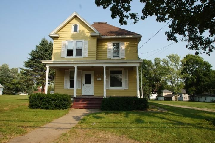 425 S Chestnut St, Platteville, WI 53818 - #: 1916088