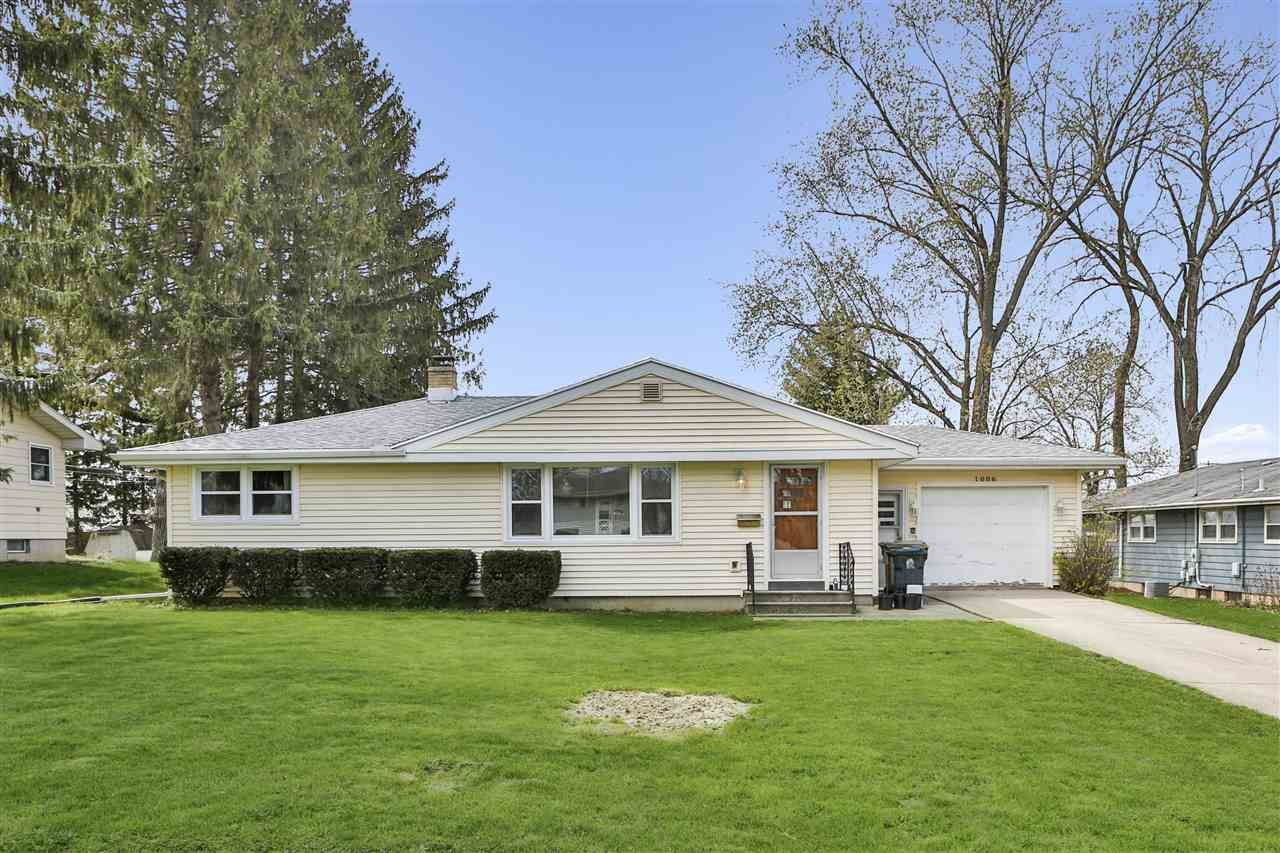 1006 Vernon Ave, Madison, WI 53716 - #: 1907089