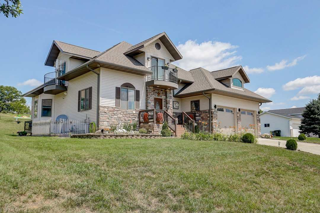 537 Meadowlark Ln, Portage, WI 53901 - #: 1883096