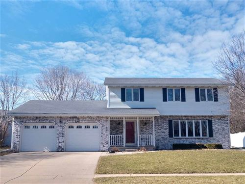 Photo of 807 Spahn Dr, Waunakee, WI 53597-1582 (MLS # 1880098)