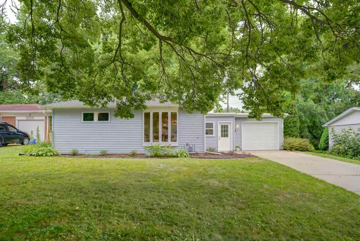 5017 Holiday Dr, Madison, WI 53711 - #: 1890098
