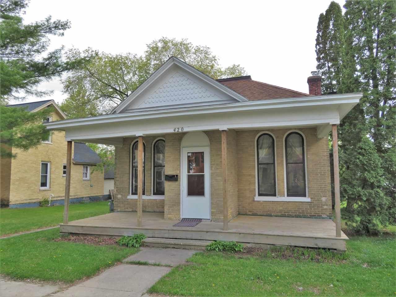 420 W Cook St, Portage, WI 53901 - #: 1909100