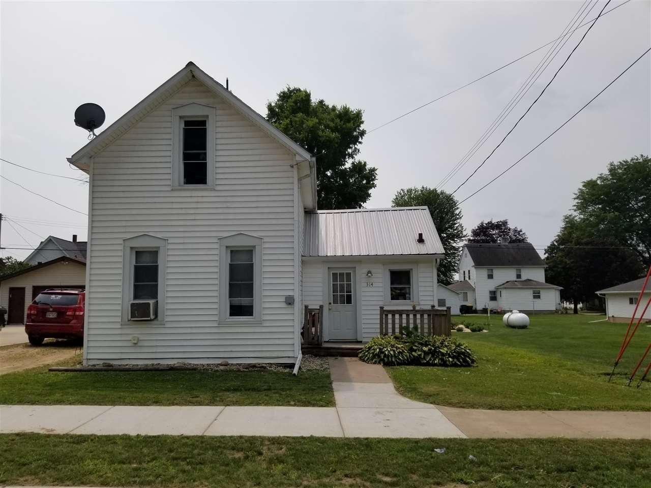 314 W Bluff St, Cassville, WI 53806 - #: 1915100