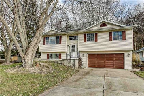 Photo of 2116 Hillebrand Dr, Cross Plains, WI 53528 (MLS # 1873101)