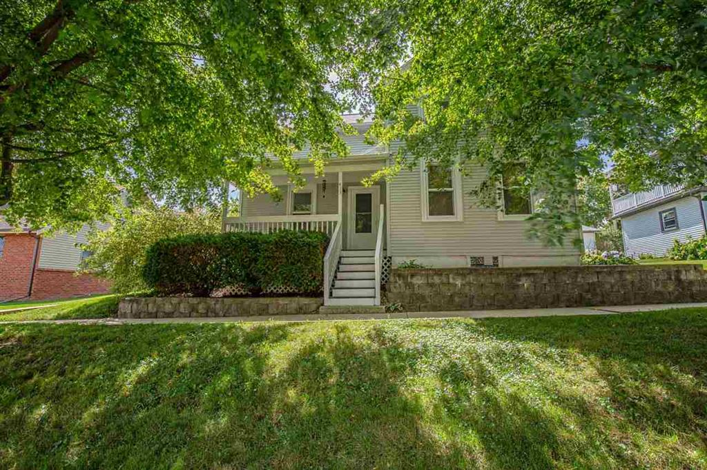 413 5TH AVE, New Glarus, WI 53574 - MLS#: 1868103