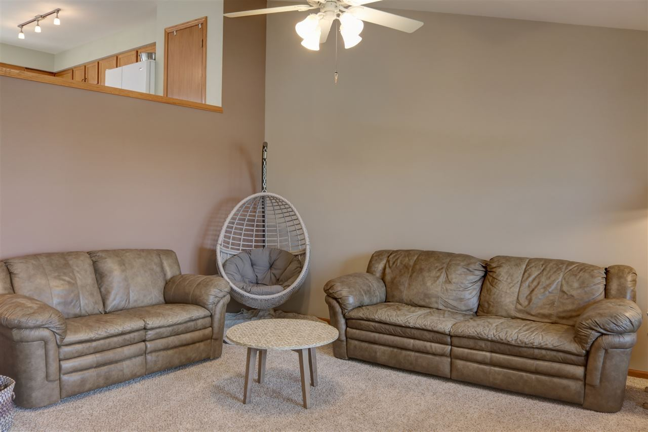 f_1888106_02 Our Listings at Best Realty of Edgerton