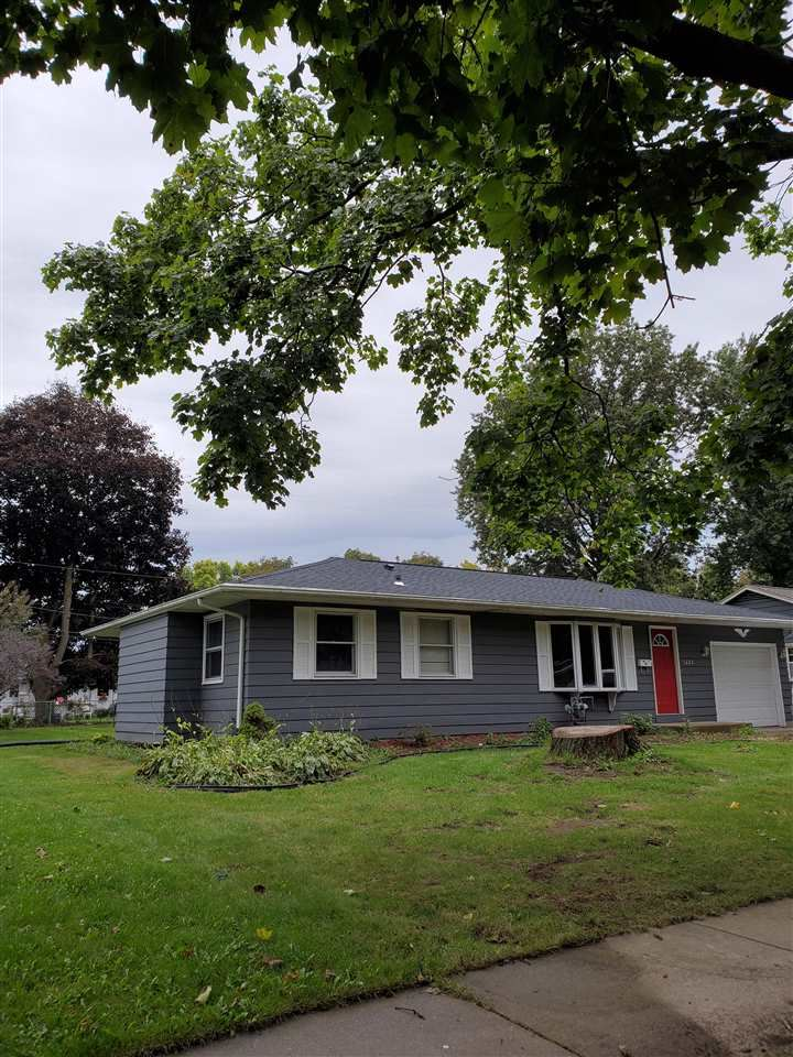 1225 N Randall Ave, Janesville, WI 53545 - MLS#: 1870107