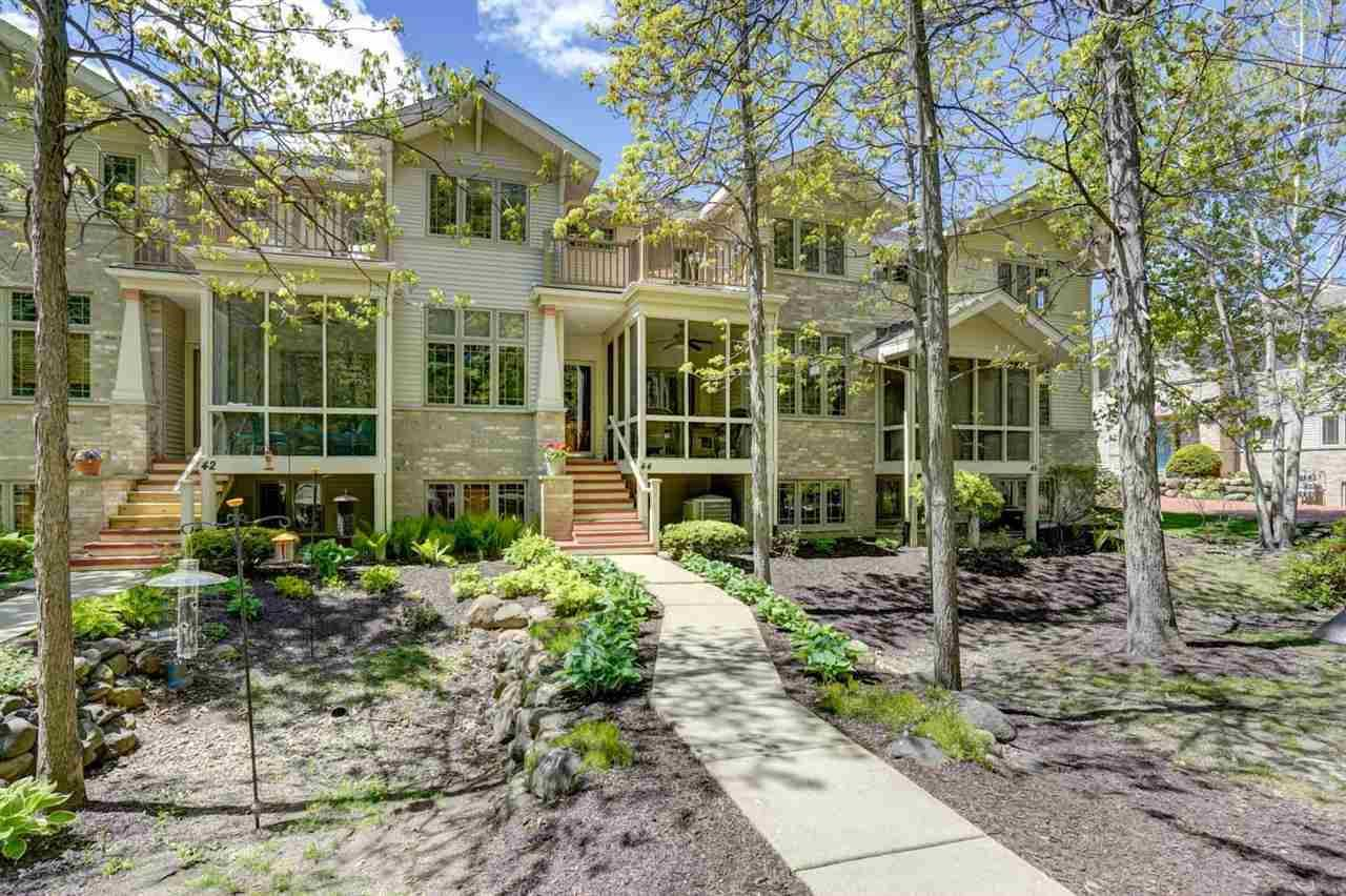 44 Wood Brook Way, Fitchburg, WI 53711 - #: 1907119