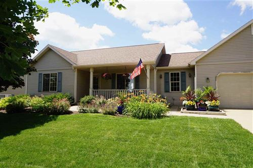 Photo of 1000 Vista Ridge Dr, Mount Horeb, WI 53572 (MLS # 1888120)
