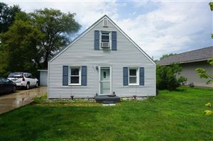 Photo of 1810 S Grant Ave, Janesville, WI 53546 (MLS # 1863121)