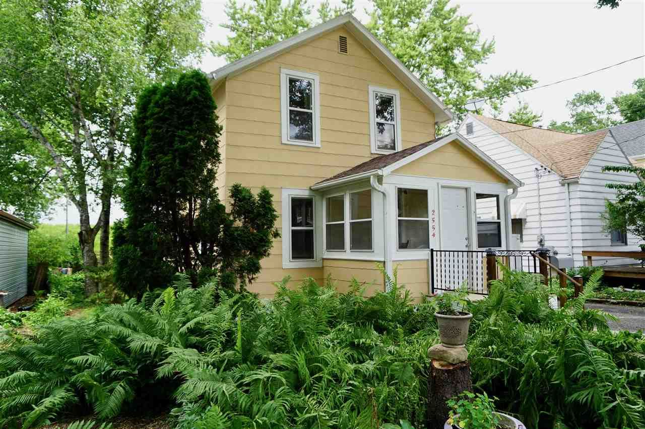 2554 Hoard St, Madison, WI 53704 - #: 1887121