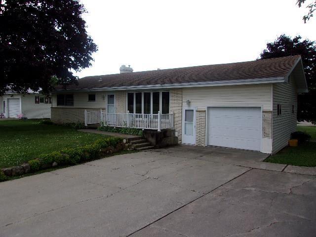 585 Pitt ST, Platteville, WI 53818-0000 - #: 1913121