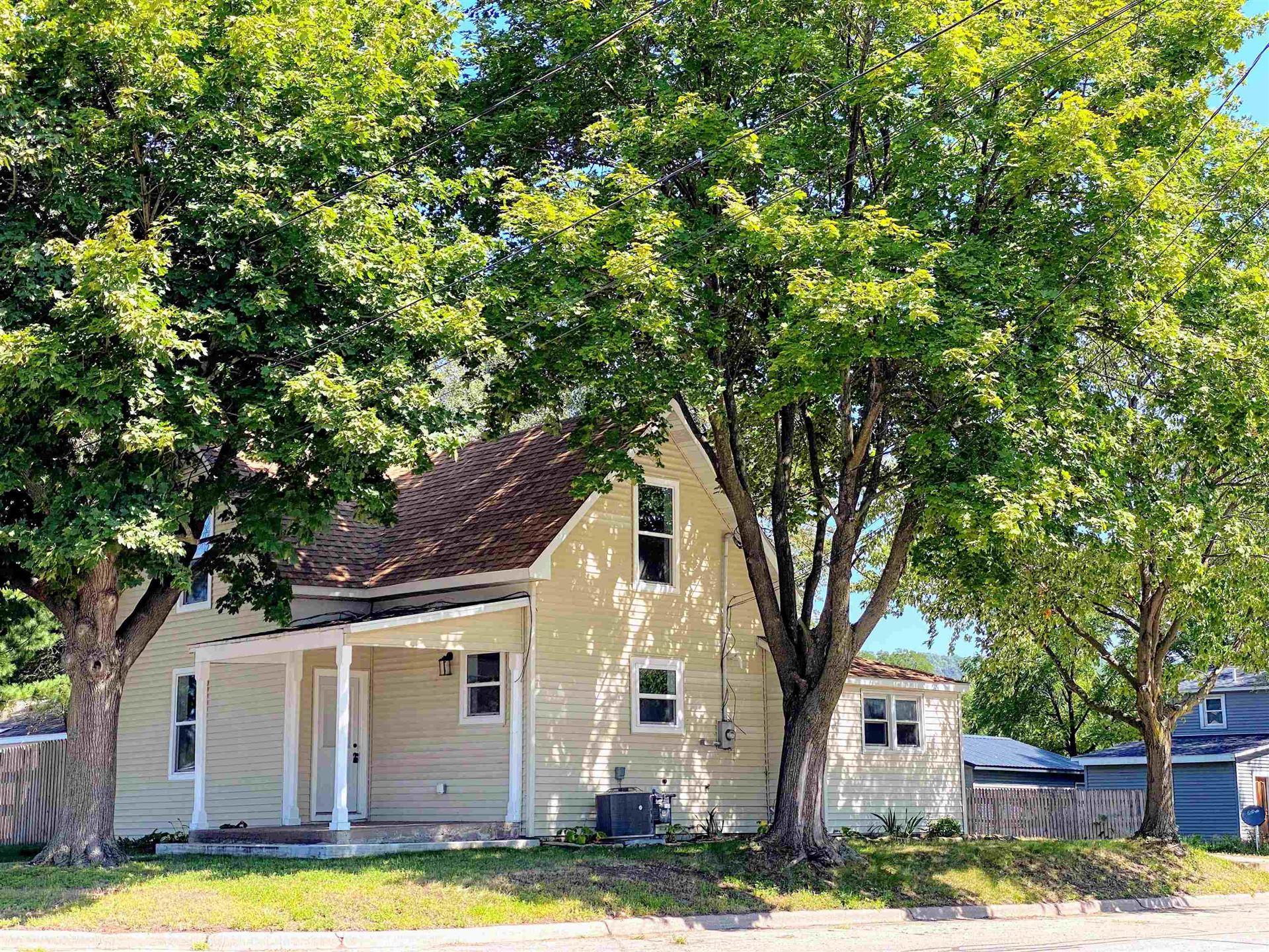 1222 S 7th St, Prairie du Chien, WI 53821 - #: 1918121