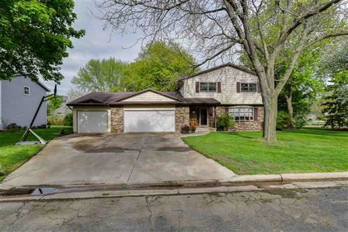Photo of 531 Oakland Ave, Sun Prairie, WI 53590 (MLS # 1884123)
