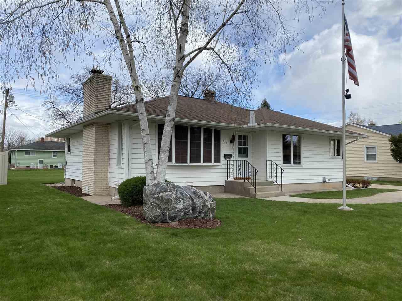 324 Wilcox St, Fort Atkinson, WI 53538 - #: 1907124
