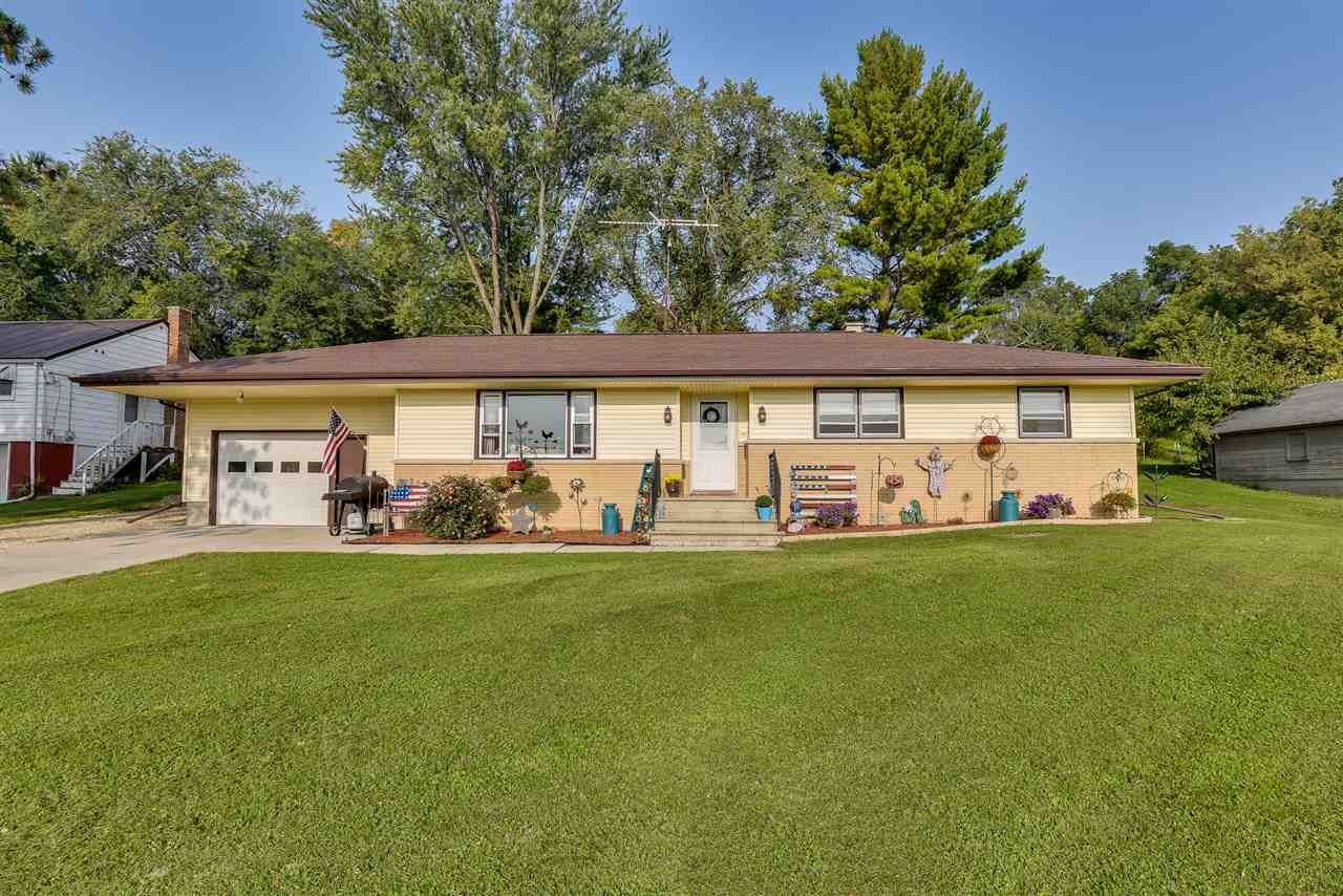 125 N River St, Lowell, WI 53557 - #: 1894125