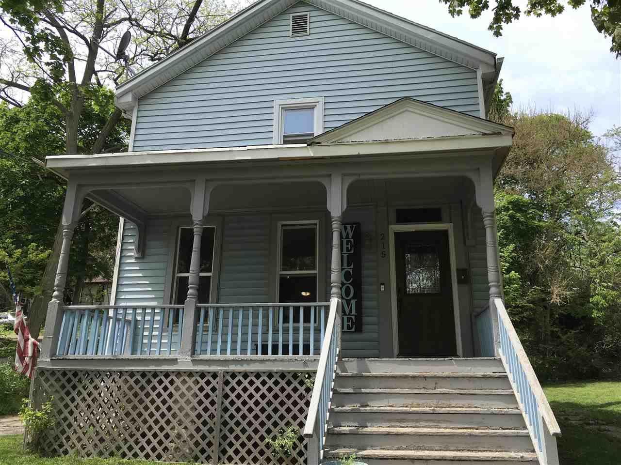 215 Oakland Ave, Janesville, WI 53545 - #: 1909126