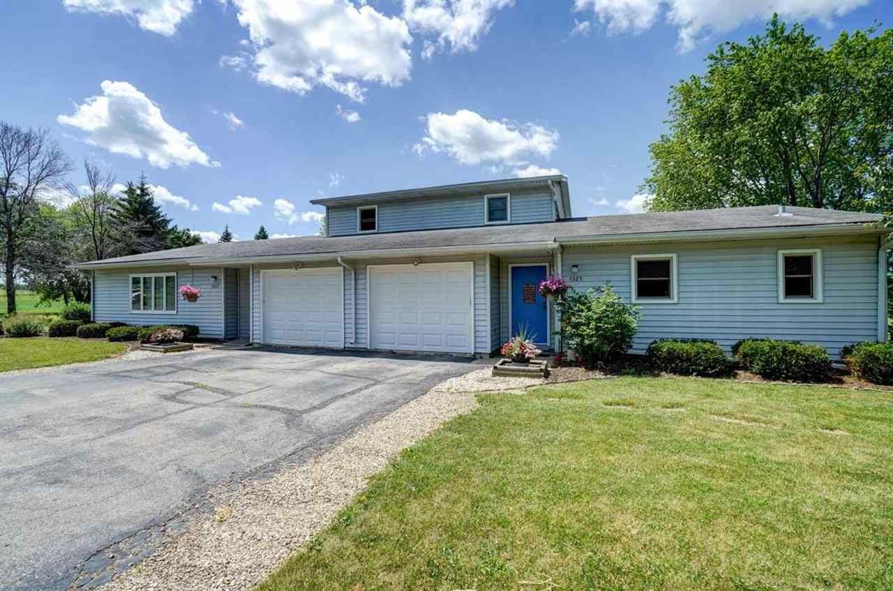 4323-4325 Vilas Rd, Cottage Grove, WI 53527 - #: 1912127