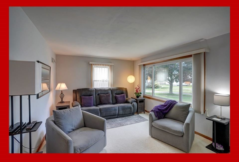 Photo for 25 Coral Ct, Madison, WI 53714 (MLS # 1919127)