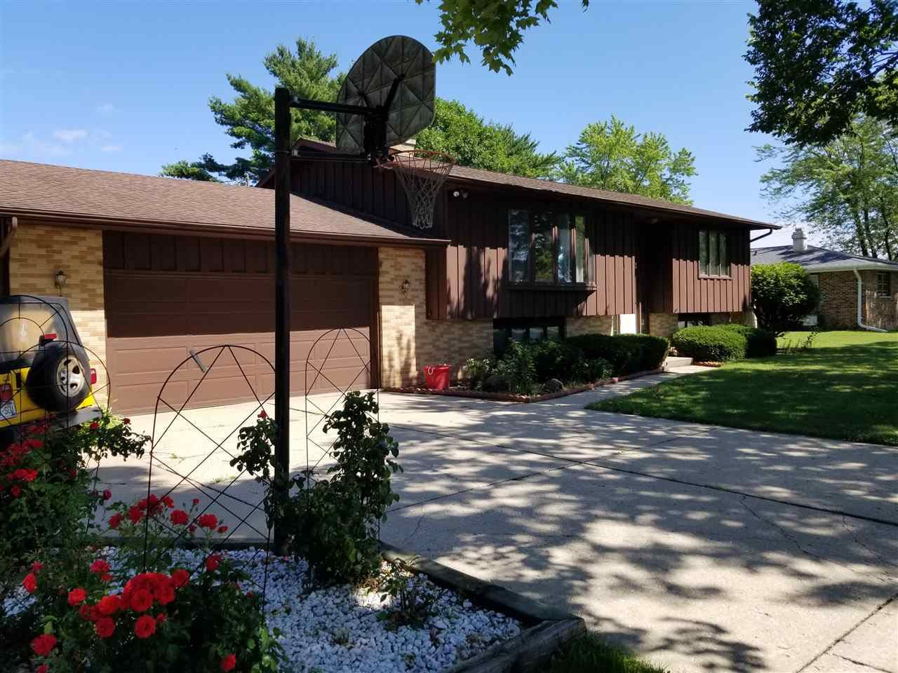 f_1888128_01 Our Listings at Best Realty of Edgerton