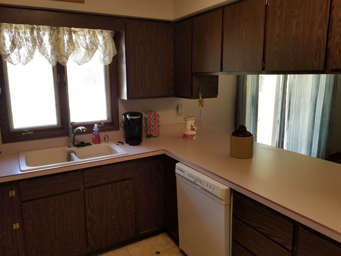 f_1888128_02 Our Listings at Best Realty of Edgerton