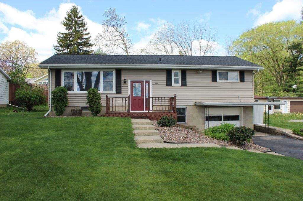 2542 New Pinery Rd, Portage, WI 53901 - #: 1908128
