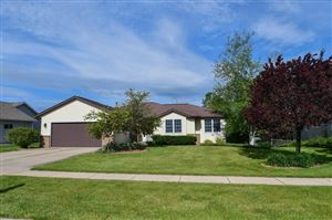 Photo of 1208 Meadowbrook Dr, Watertown, WI 53098 (MLS # 360133)