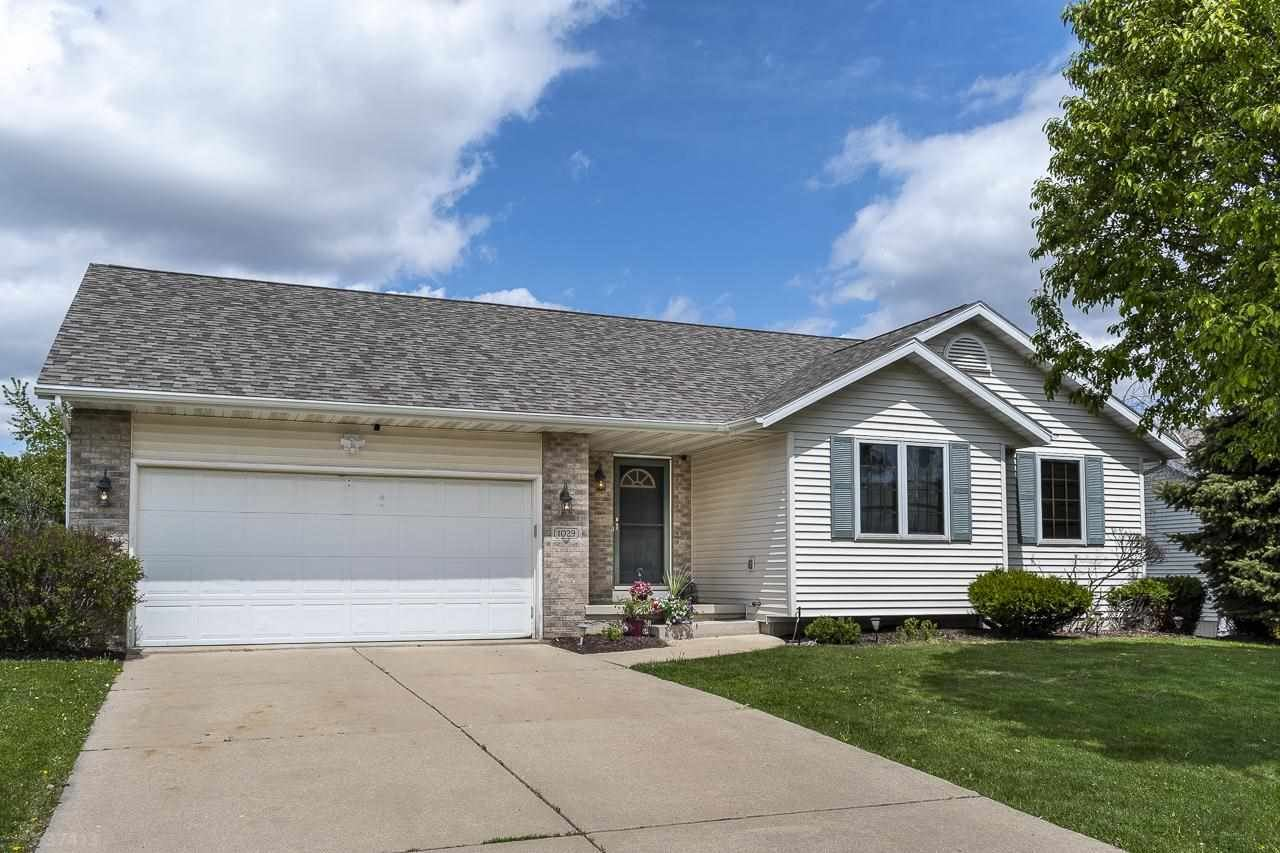 1029 S Perry Pky, Oregon, WI 53575 - #: 1908135