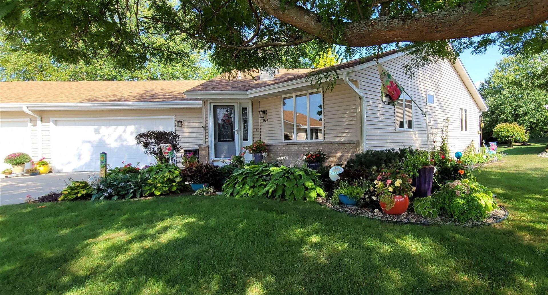 1804 Holly Dr, Janesville, WI 53546 - #: 1918136