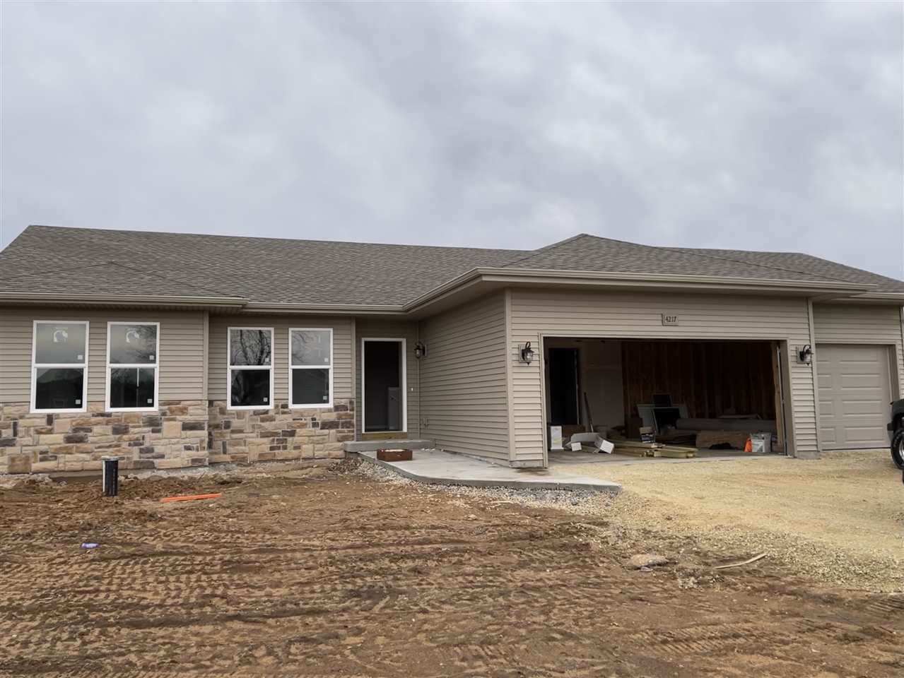f_1906137 Our Listings at Best Realty of Edgerton